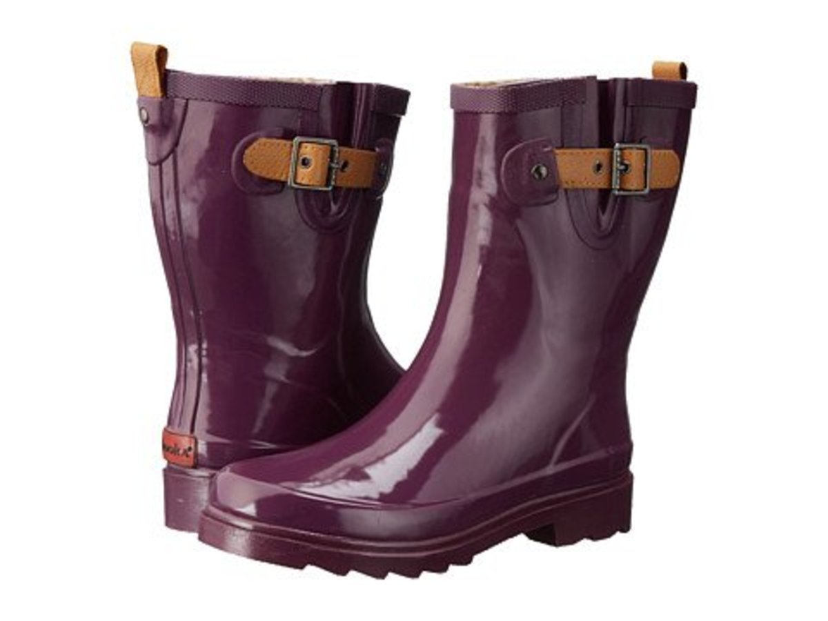 Chooka Top Solid Mid Rain Boot - This is a wonderful mid calf style that has a nice roomy calf fit.