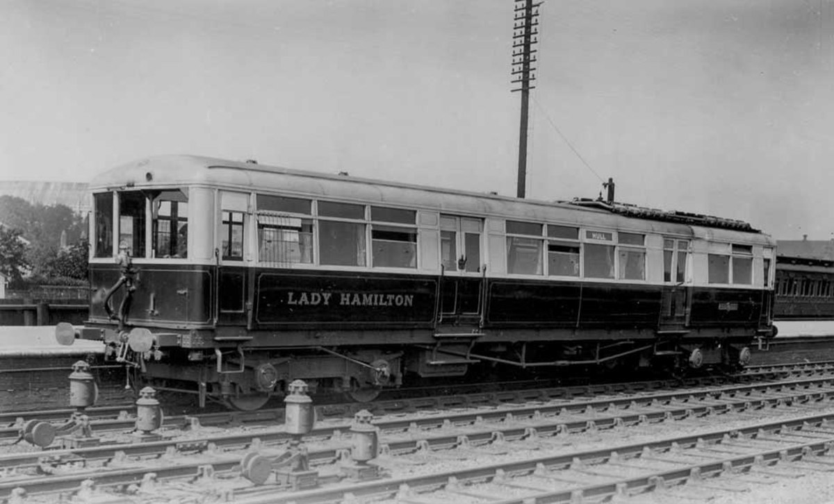 Early days of economising to achieve profit for less outlay: Armstrong Whitworth railcar 'Lady Hamilton', named after a horse-drawn coach as were many Sentinel and Clayton railcars
