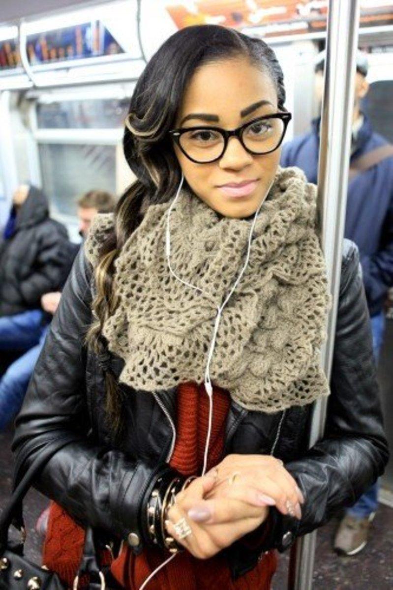 woman wearing kitty specs