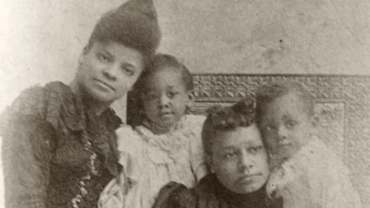 Ida Wells-Barnett (left) and her family