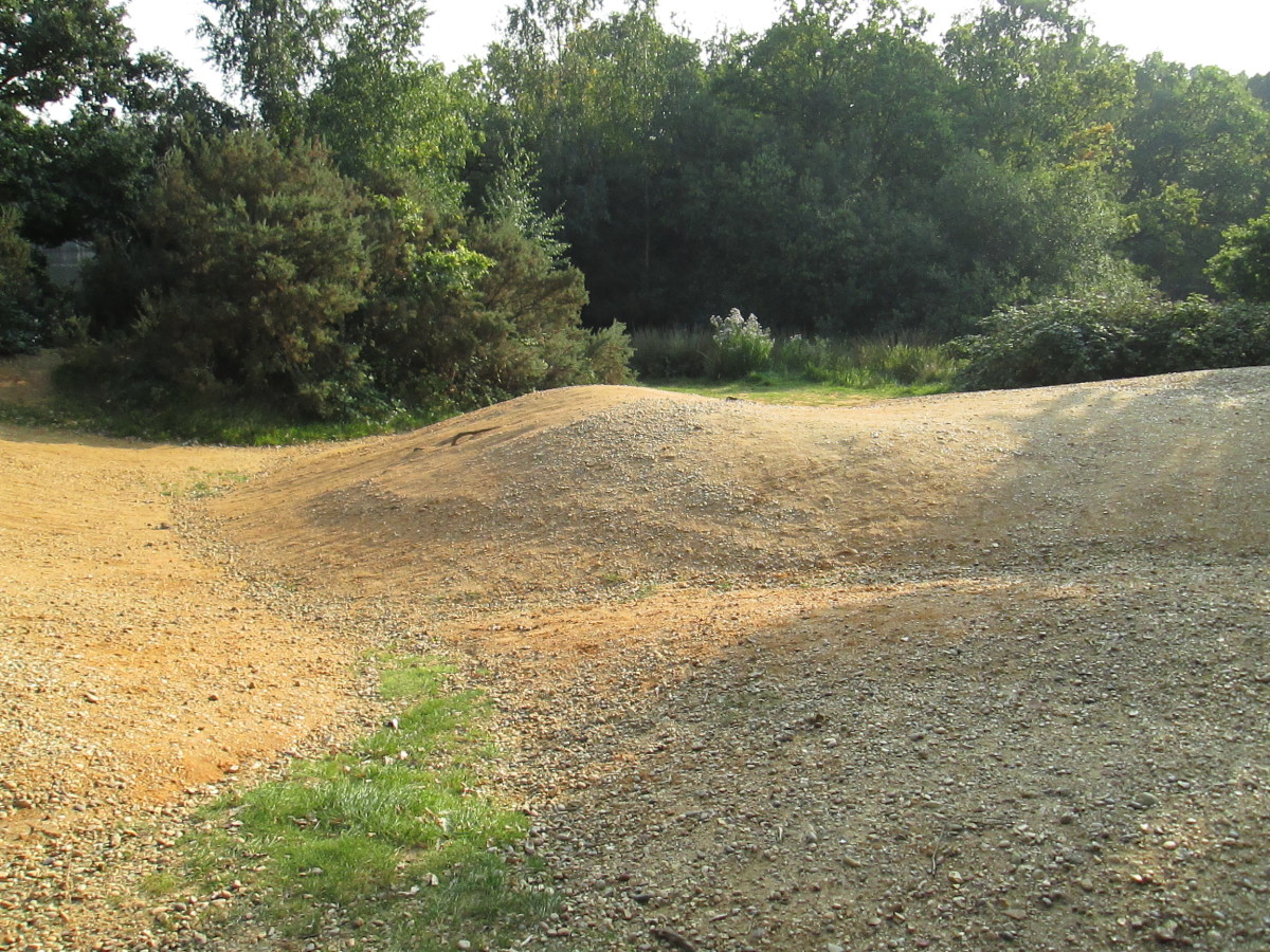 Over the gravel workings. This is where gravel for wartime 'sandbags' was excavated...