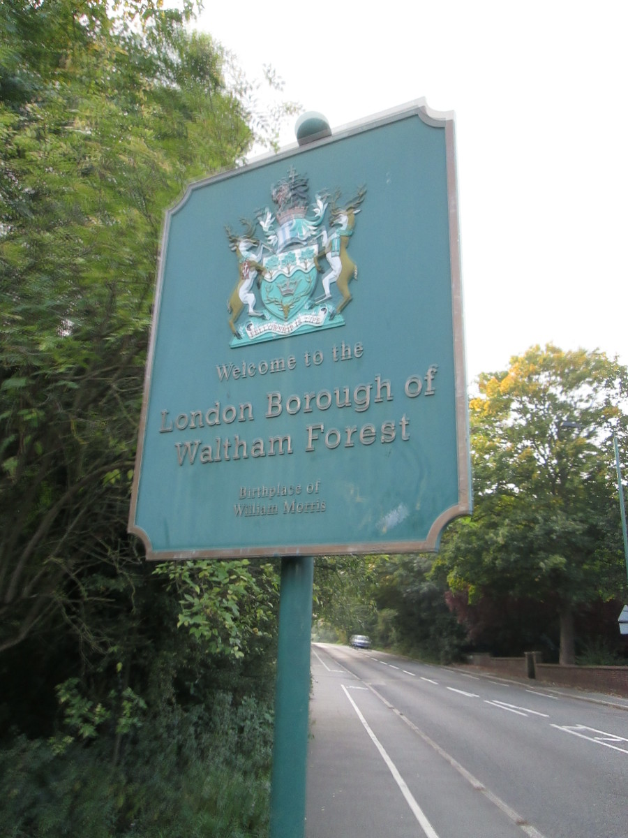 On the way back to the car park there's a sign that welcomes you to the Borough of Waltham Forest, the bottom caption reads 'Birthplace of William Morris', the artist and philosopher