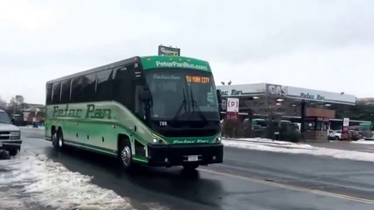 Peter Pan Coach 796 exiting the Springfield, MA Bus Terminal southbound to NYC