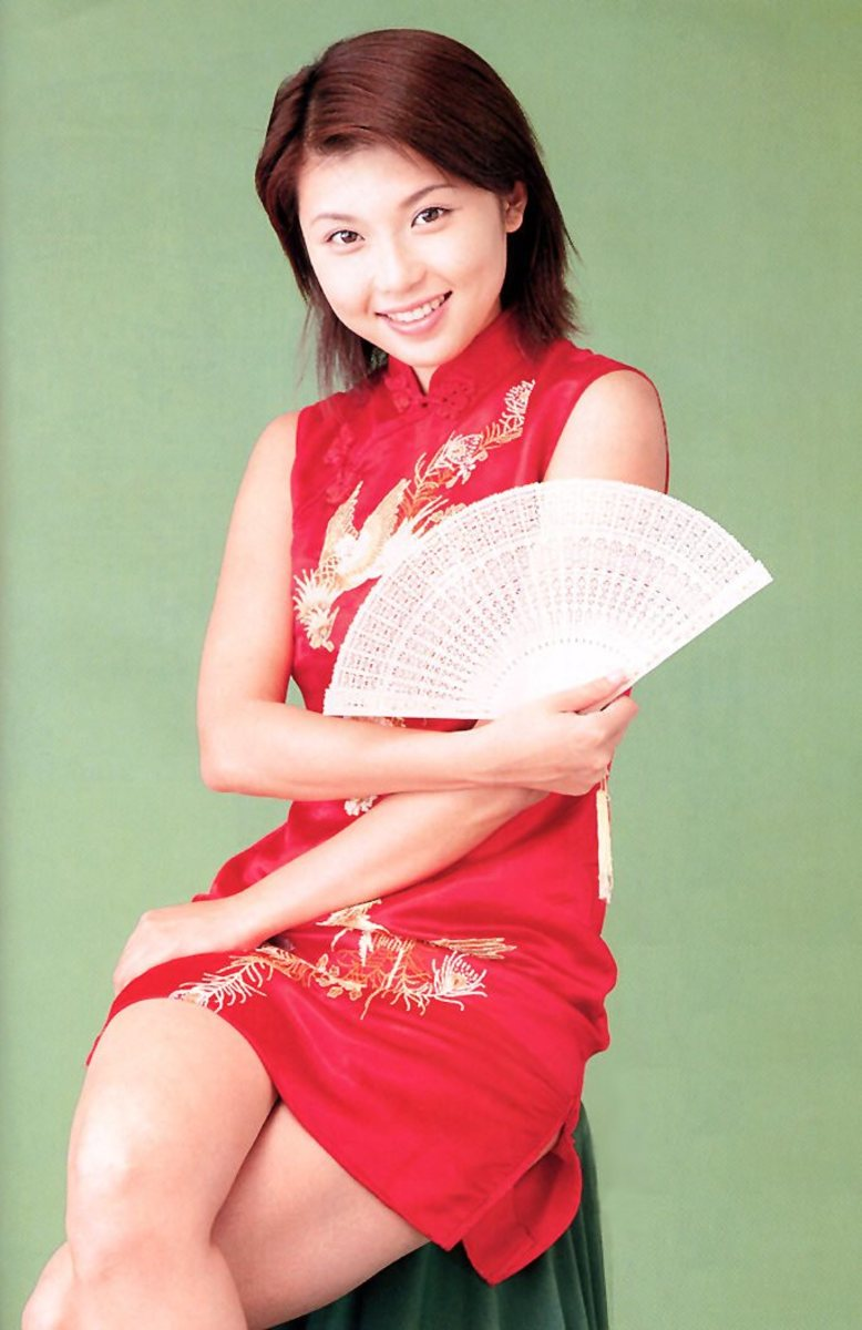 aki-kawamura-beautiful-bikini-model-and-television-star