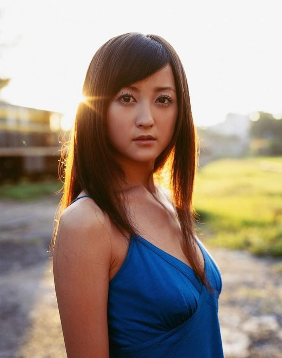ayaka-komatsu-beautiful-japanese-movie-actress-and-swimsuit-model-from-iwate-prefecture