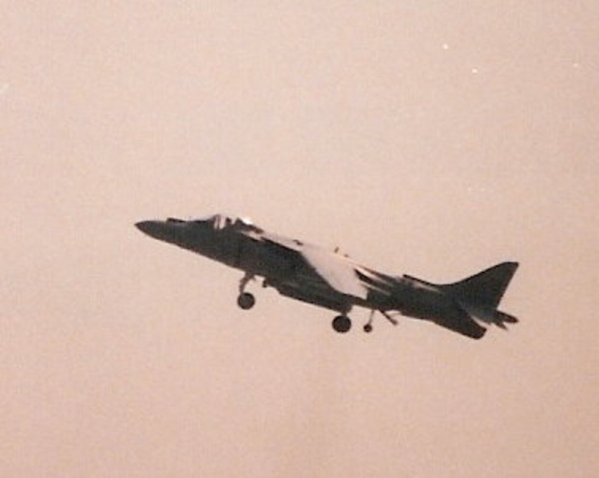 A USMC AV-8B performing at the Andrews AFB Joint Service Open House, May 1998.