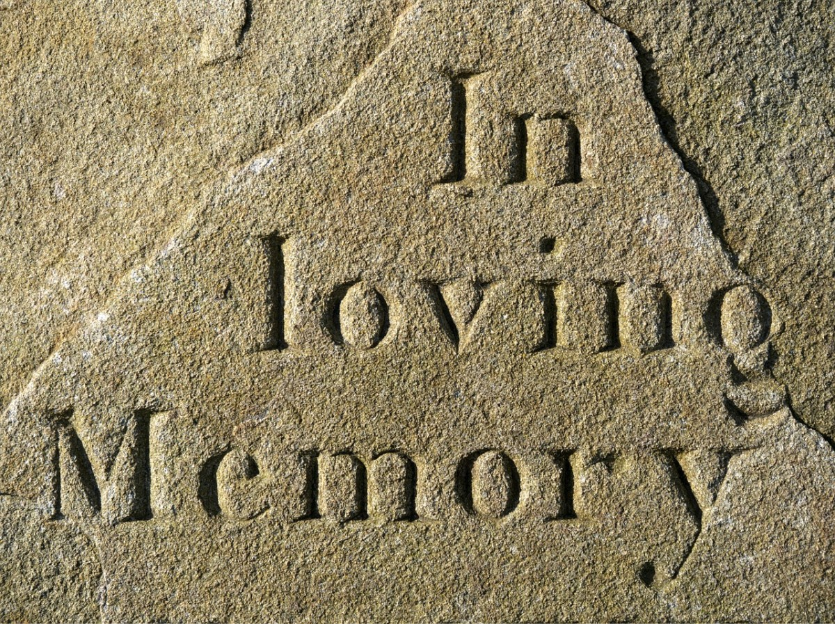 In loving memory Ingraving