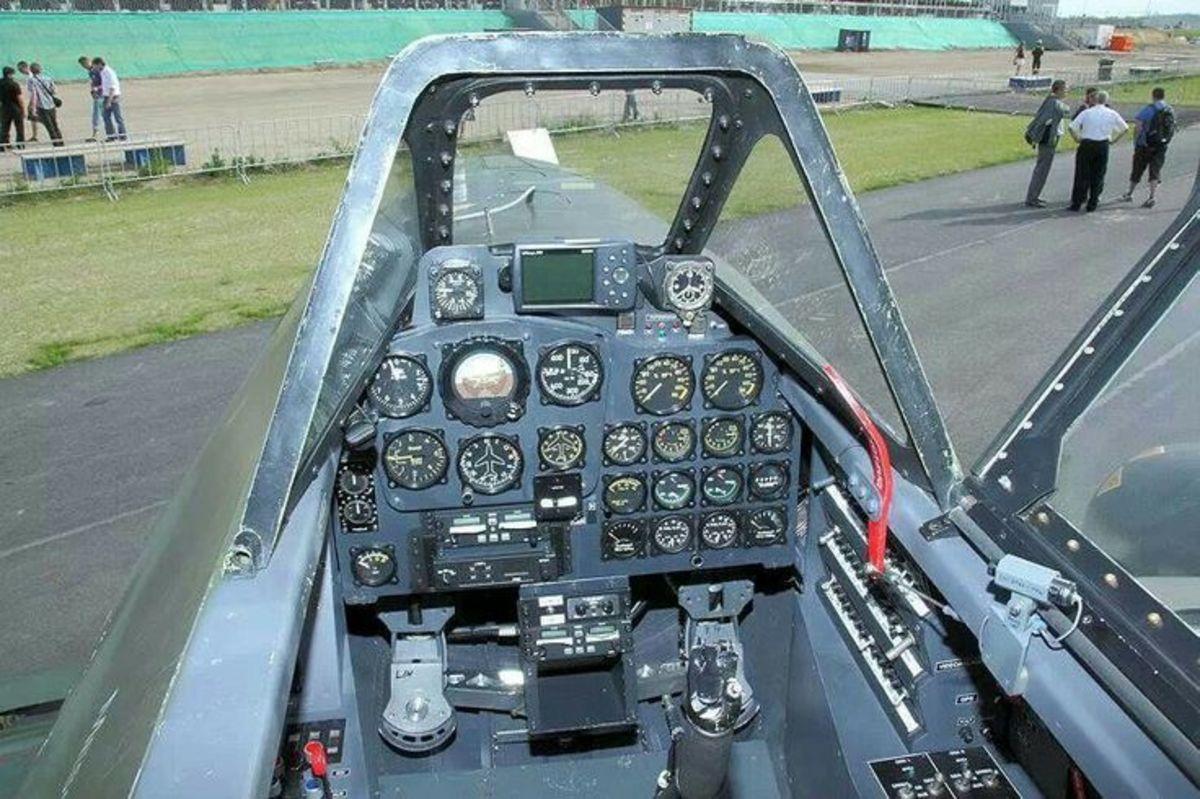 Me262 cockpit