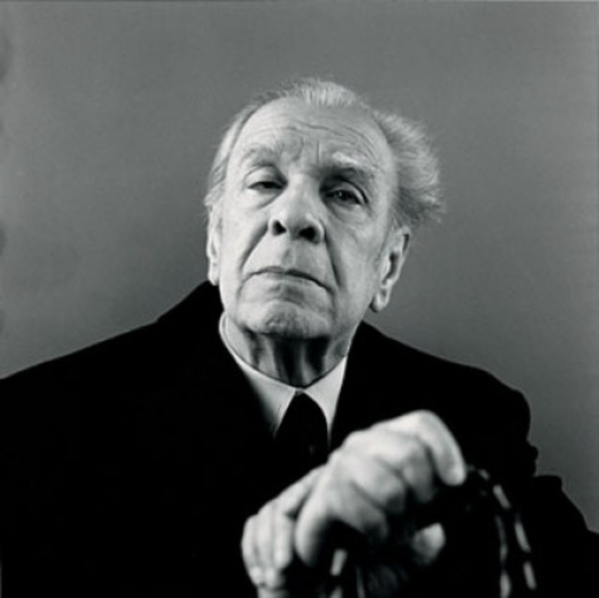 The Holy Trinity of Narrative Techniques in Borges' Fiction and the Deconstruction of Literature