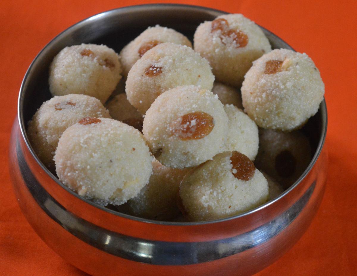 Rave Ladu (Rava Laddu)