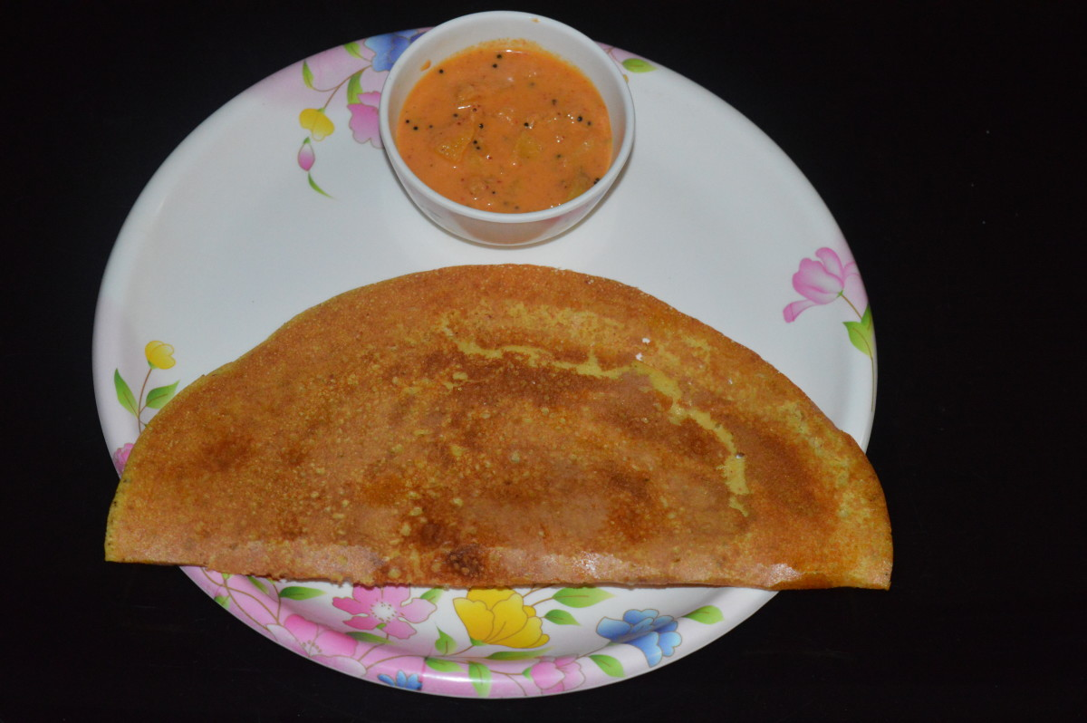 Lentil crepe served with sweet pineapple curry
