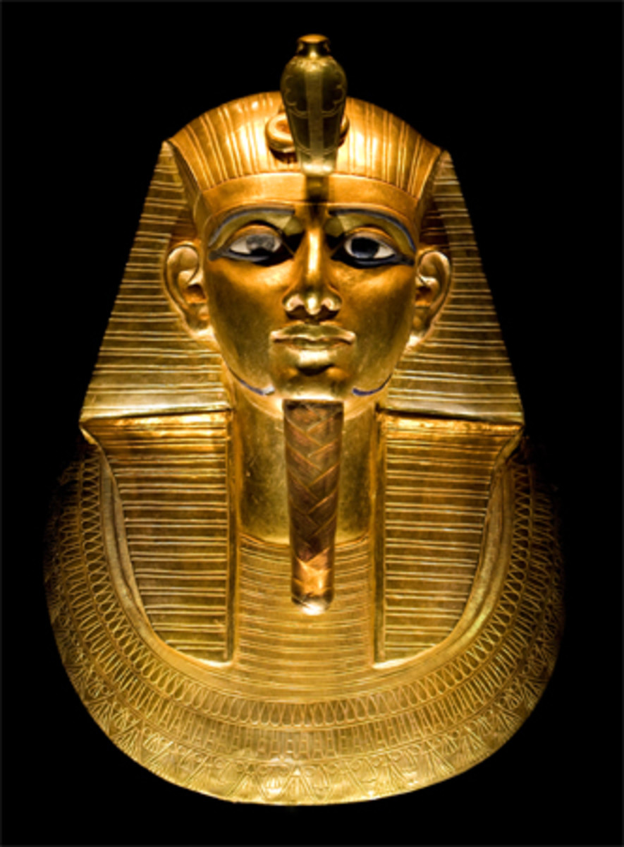 The solid gold funerary mask of Psusennes I