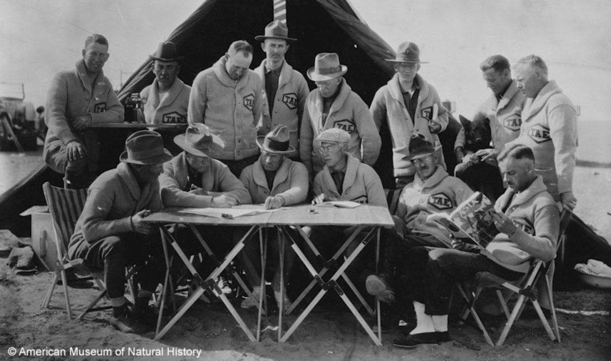 Roy Chapman Andrews and other members of an expidition