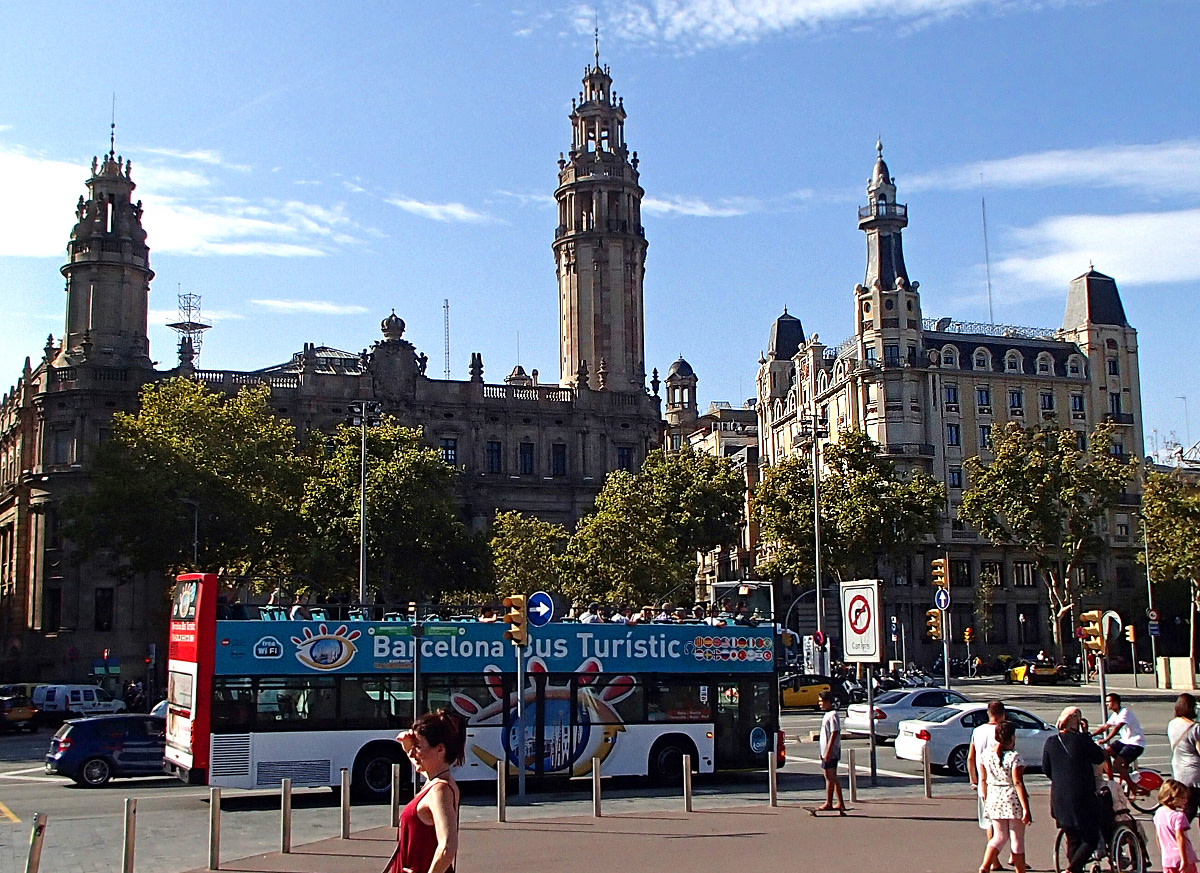 Take a tour of the city with Barcelona Tourist Bus.