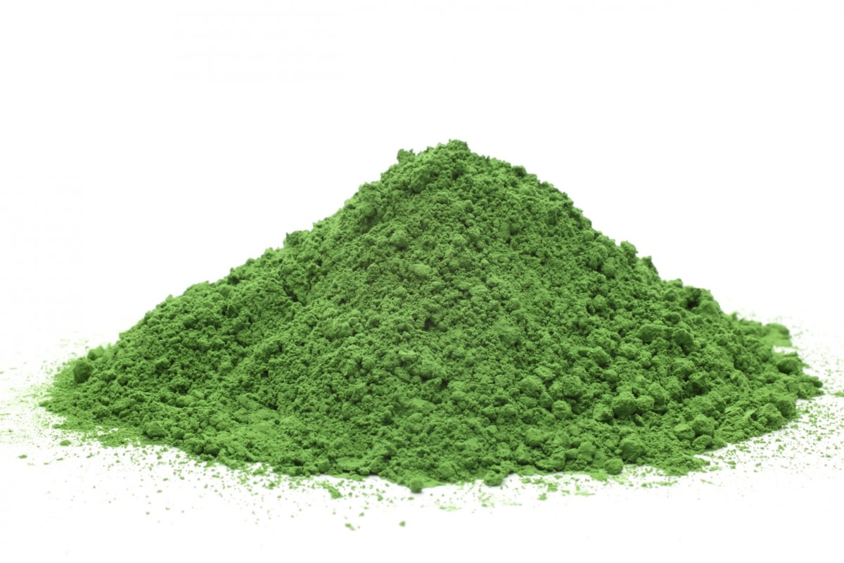 How to Make and Use Moringa Powder