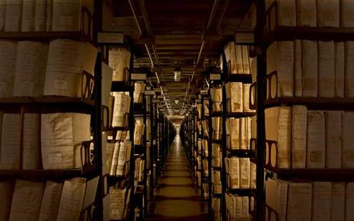If the shelves of the Vatican Library were placed end to end, they would stretch thirty one miles.