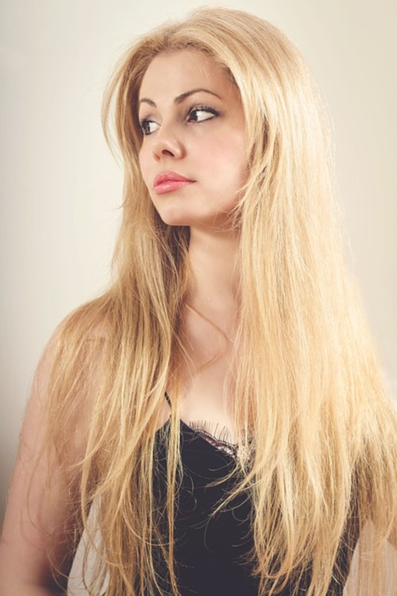 How to Lighten Your Hair With Hydrogen Peroxide
