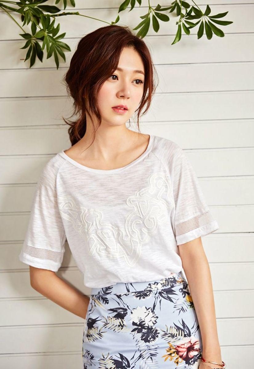 korean-actress-and-fashion-model-baek-jin-hee