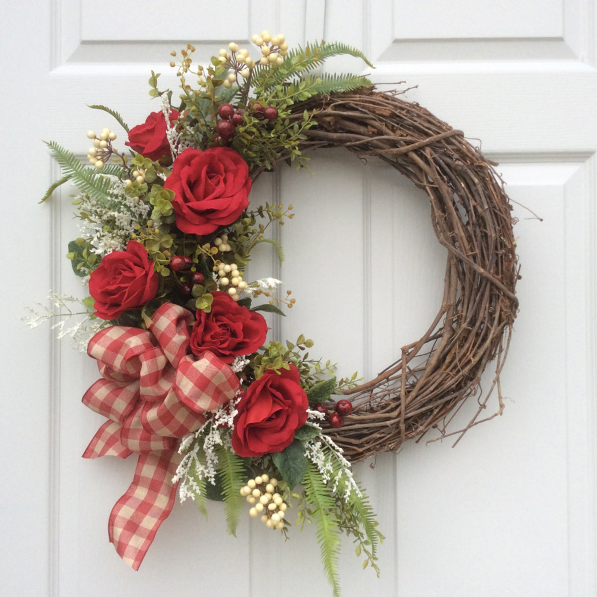 Image of an example wreath for this Valentine's craft project.