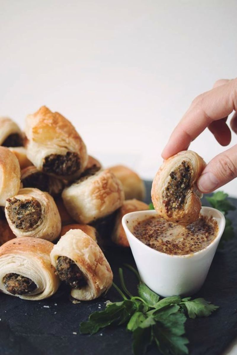 These savoury vegan sausage rolls will be at hit at lunch time at home and at potlucks too!