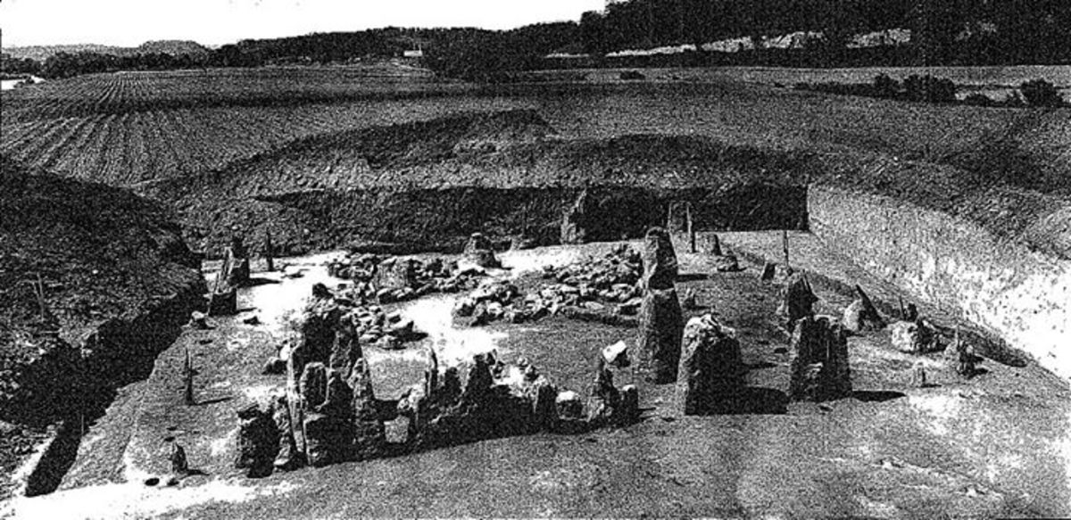 This is the only known photograph of what is known as the East Tennessee Egyptian Temple, discovered in 1934 while building a dam that would eventually flood the site.
