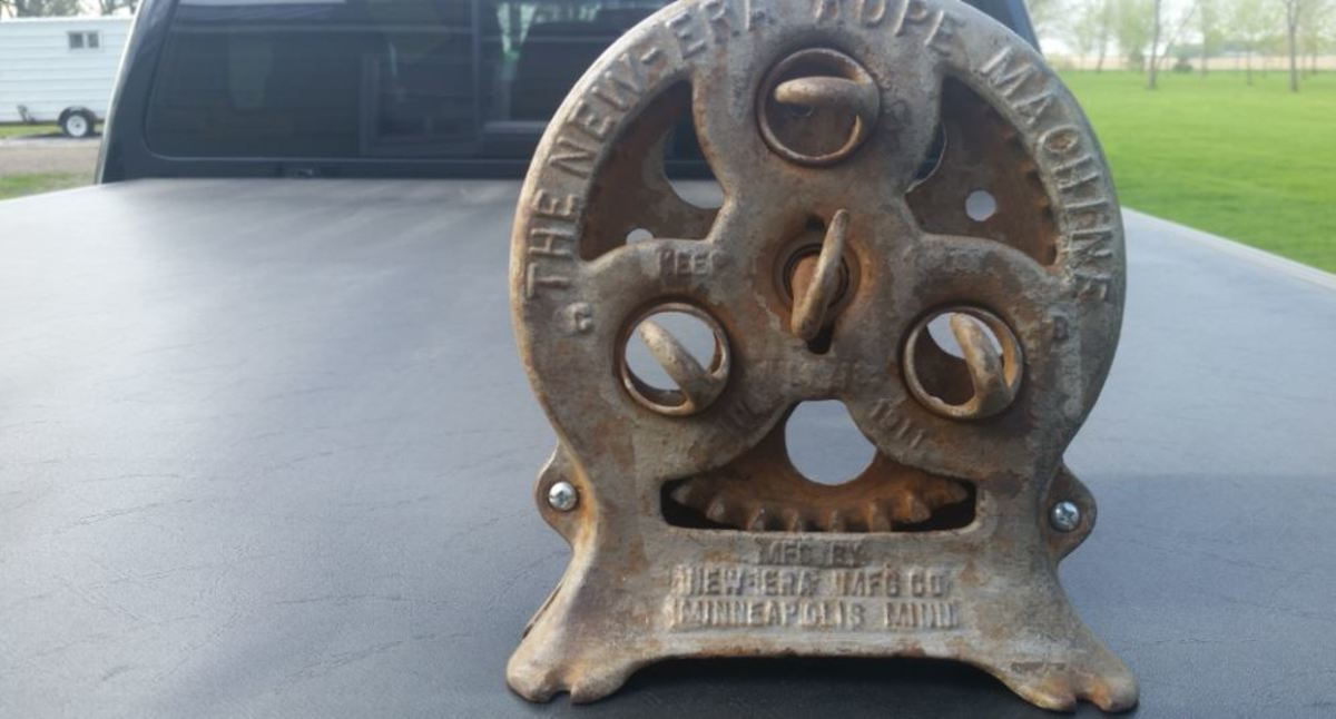Minnesota Musing: Antique New Era Rope Machine - Collecting The Pieces