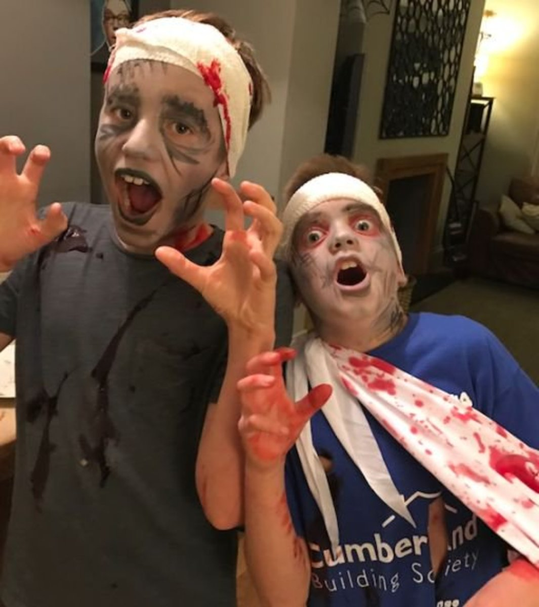 home-made-fake-blood-guts-and-scabs-for-halloween