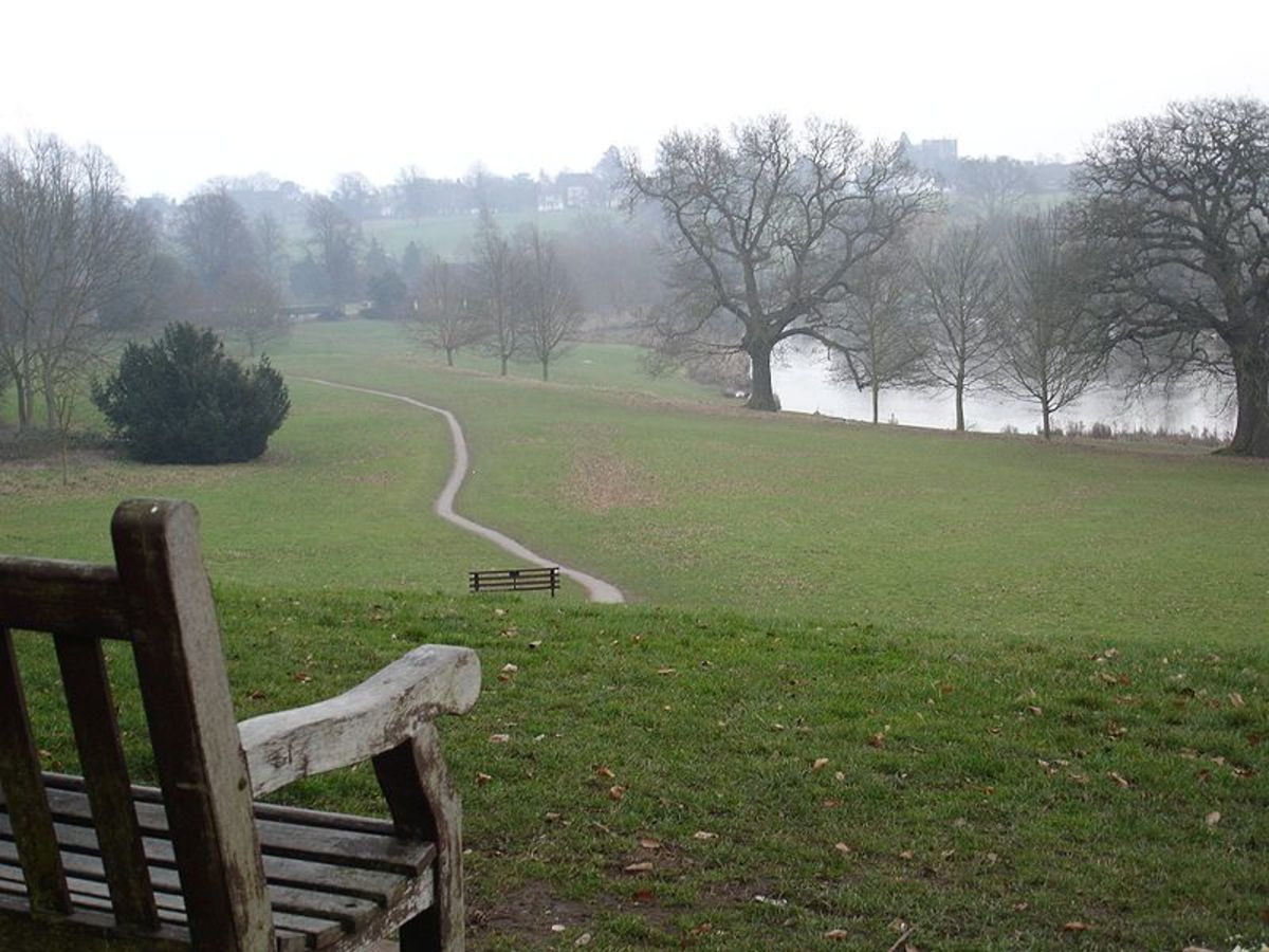 Abbey Fields- the park that served as the start of my circular walk. Source: David Hunt via Wikimedia Commons