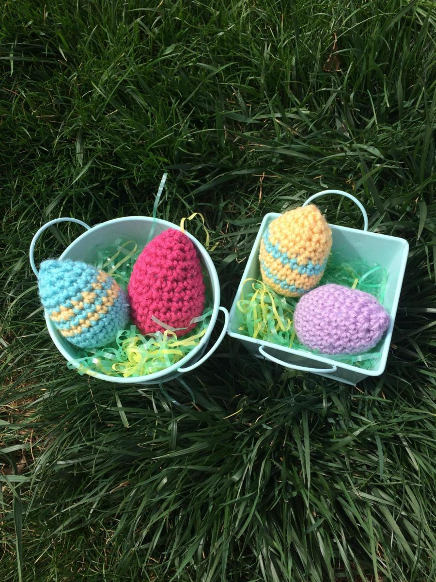 Crochet some Easter eggs with bits of yarn