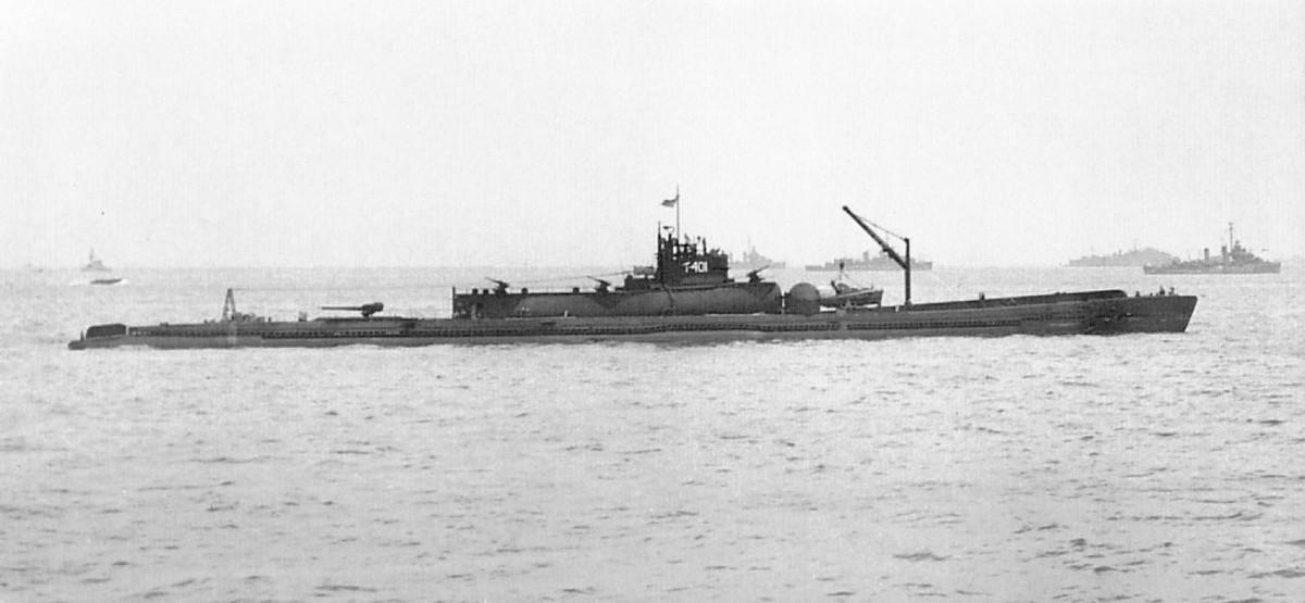 The I-400 sailing.
