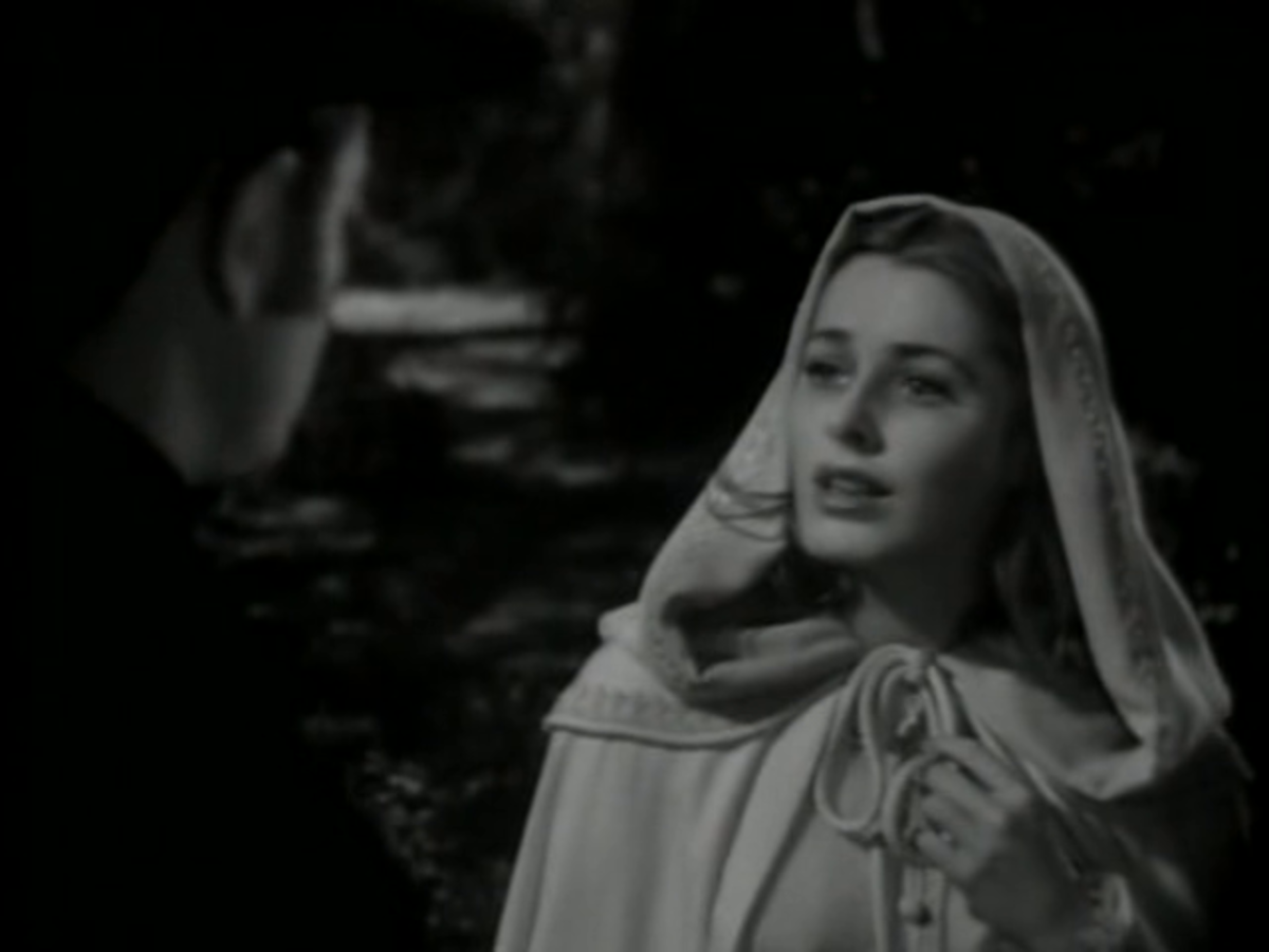 "Eleanor Parker is the ""Woman in White"""