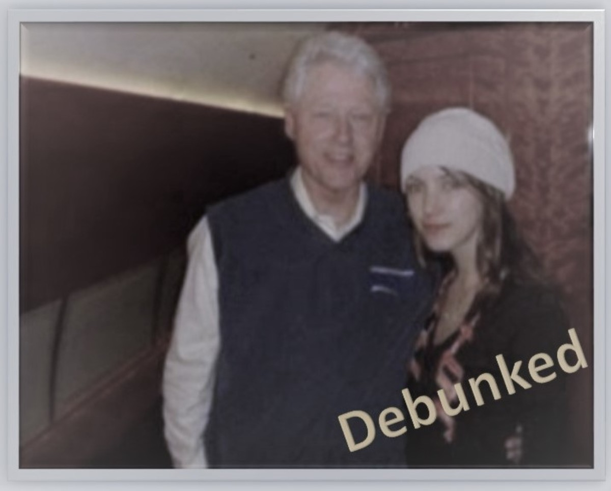 Debunked by Snopes. The photo was not taken in Epstein's plane, if this is Rachel Chandler, she would have been 19 years old during this photo. The photo was taken in 2006, Qanon Conspiracy theory pushed in 2017.