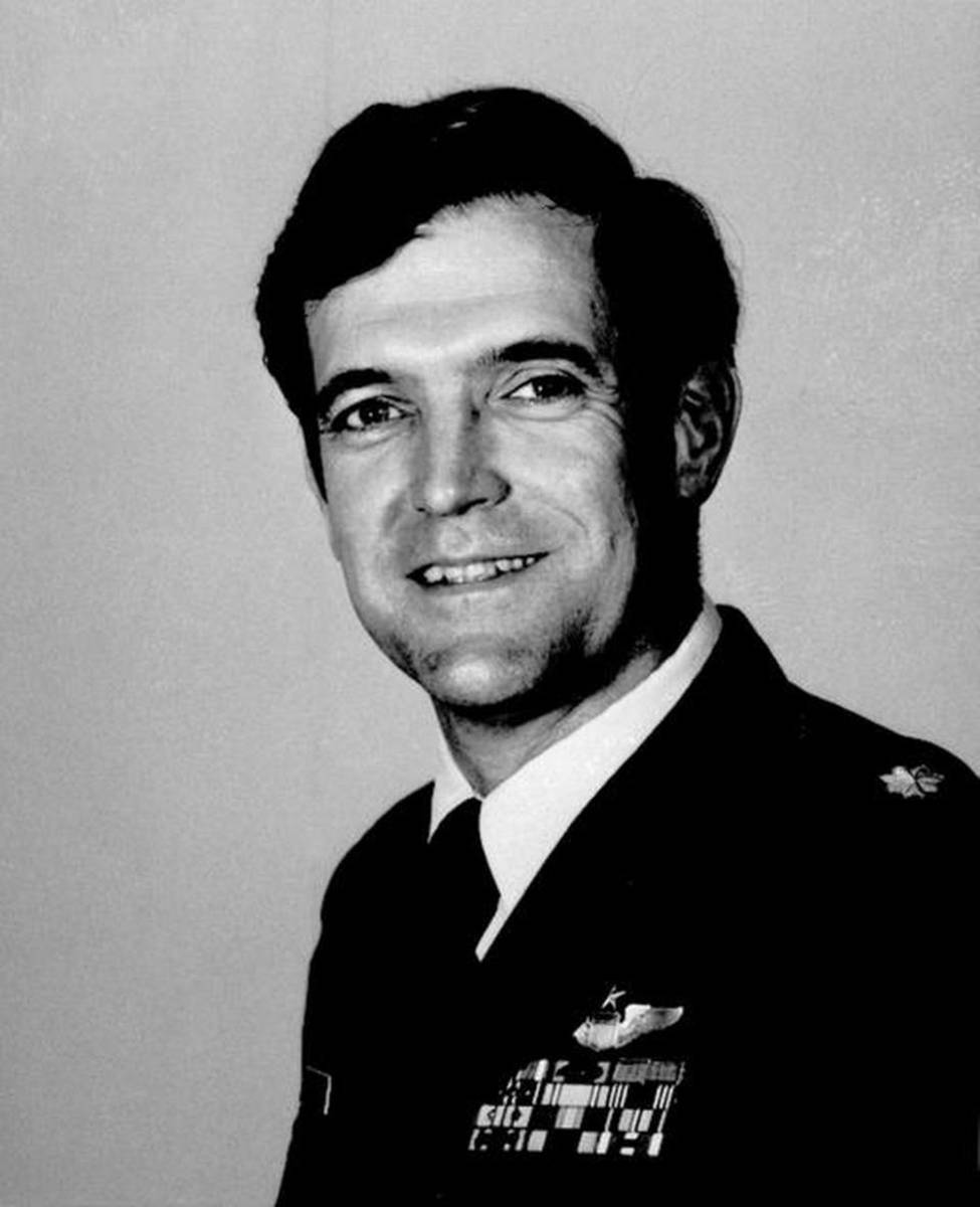 Remembering Challenger Commander Dick Scobee (Part 1: From