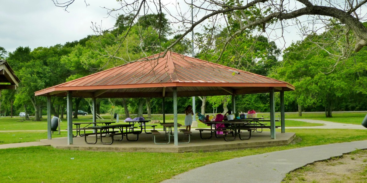 Picnic areas in Cullen Park