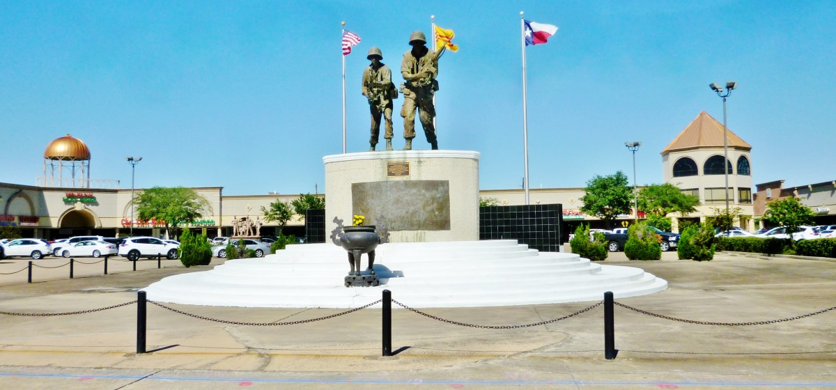 Discovering the Vietnam War Memorial in Shopping Center of Houston, Texas