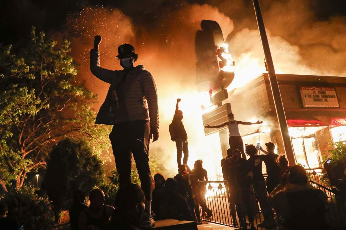 violent-protests-in-various-us-cities-the-death-of-african-american-at-hands-of-police