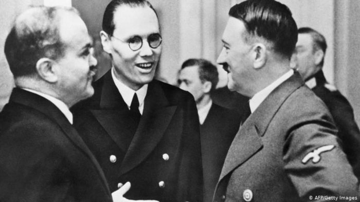 hitler-and-stalin-two-fanatical-and-ideological-opposed-leaders-and-their-psychology