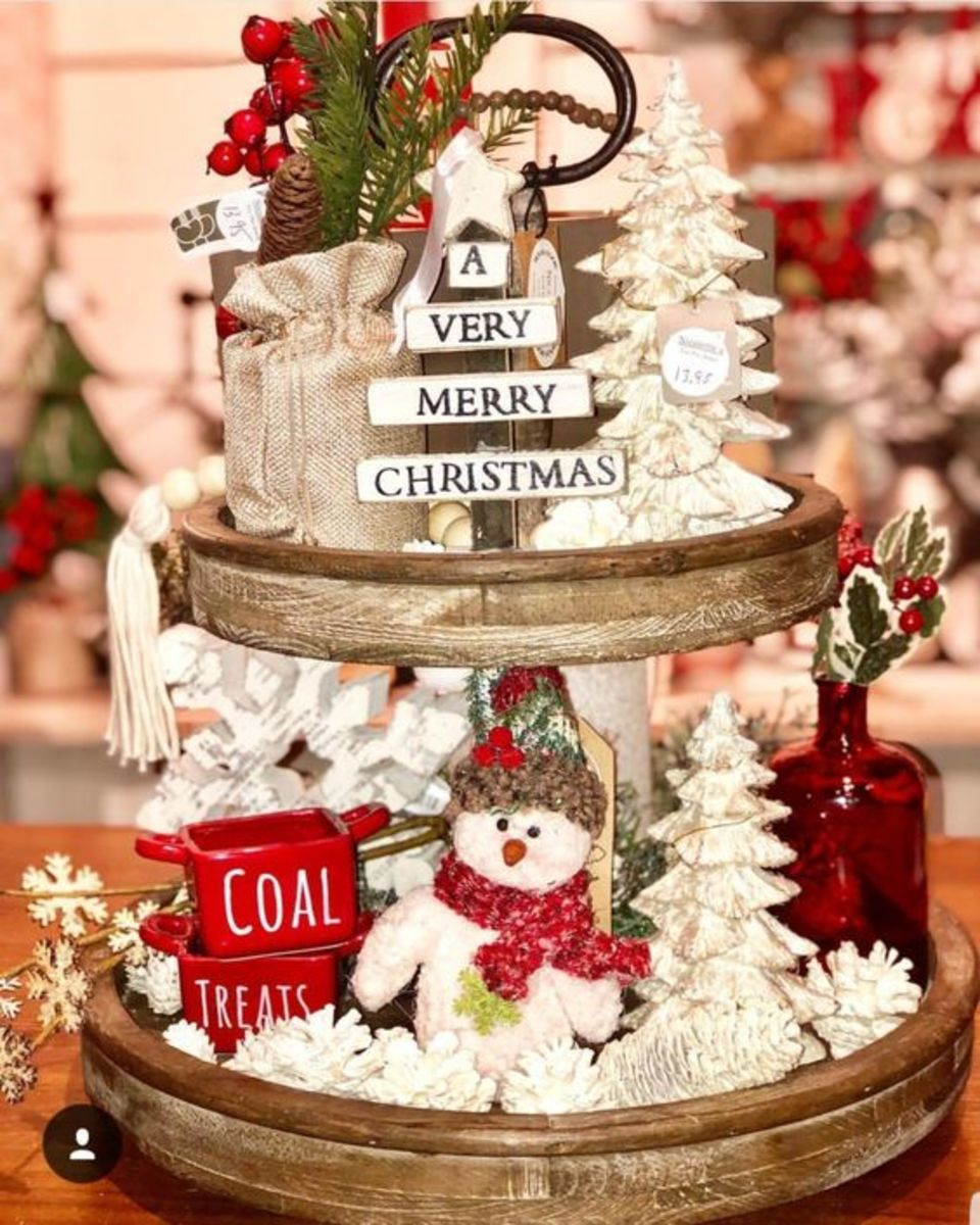 christmas-tiered-trays