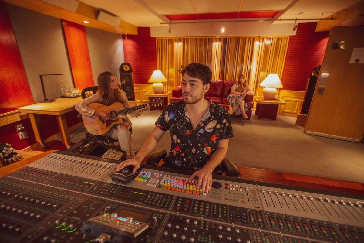 Remote Recording: How Innovative Audio Engineer Mateo Barragan Remains Ahead of the Game