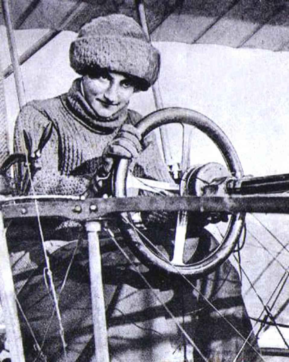 Raymonde LaRouche, 1909 First Female World Pilot