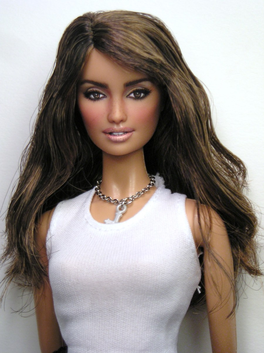 Hollywood Doll Penelope Cruz by Pamela Reasor