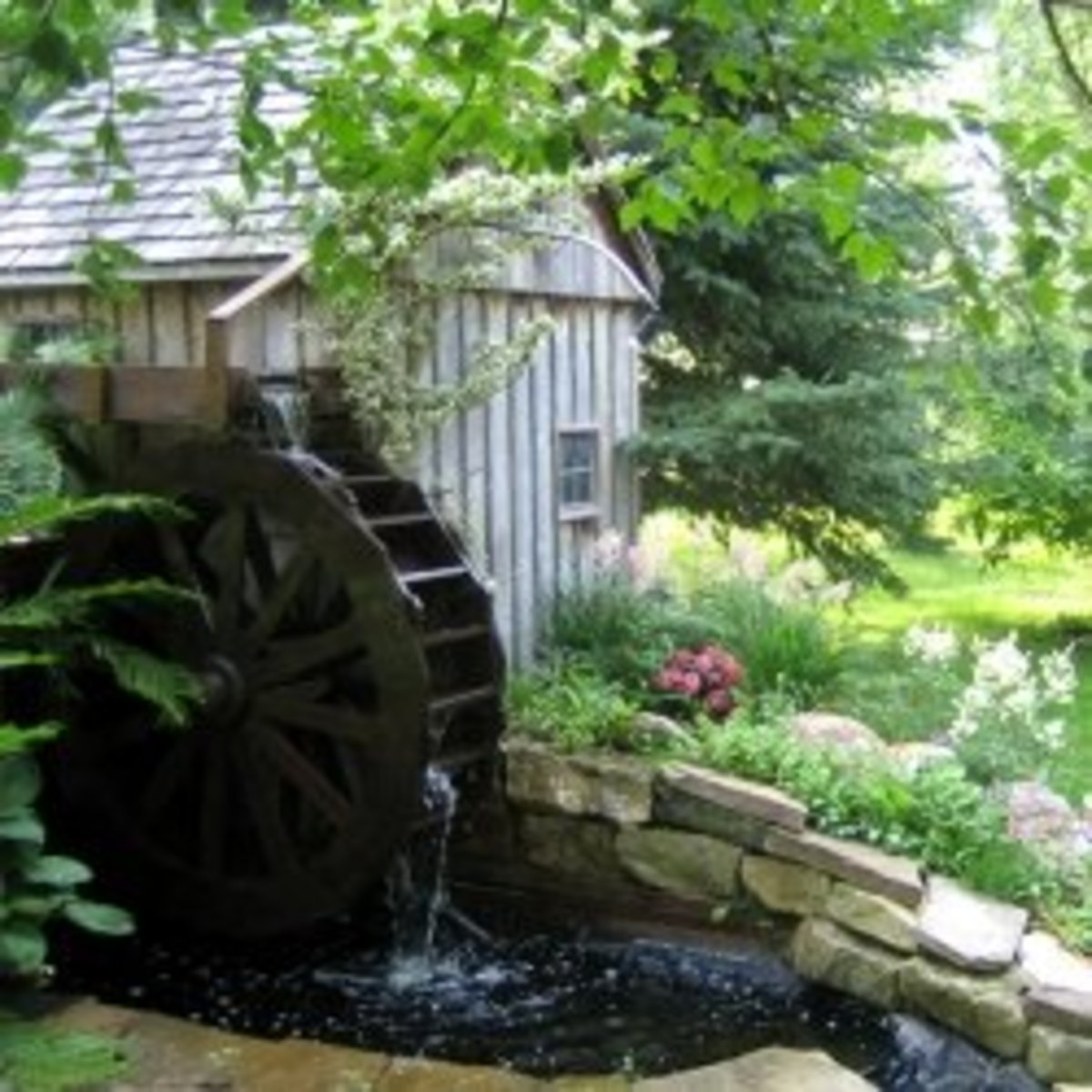 Building a Backyard Waterwheel