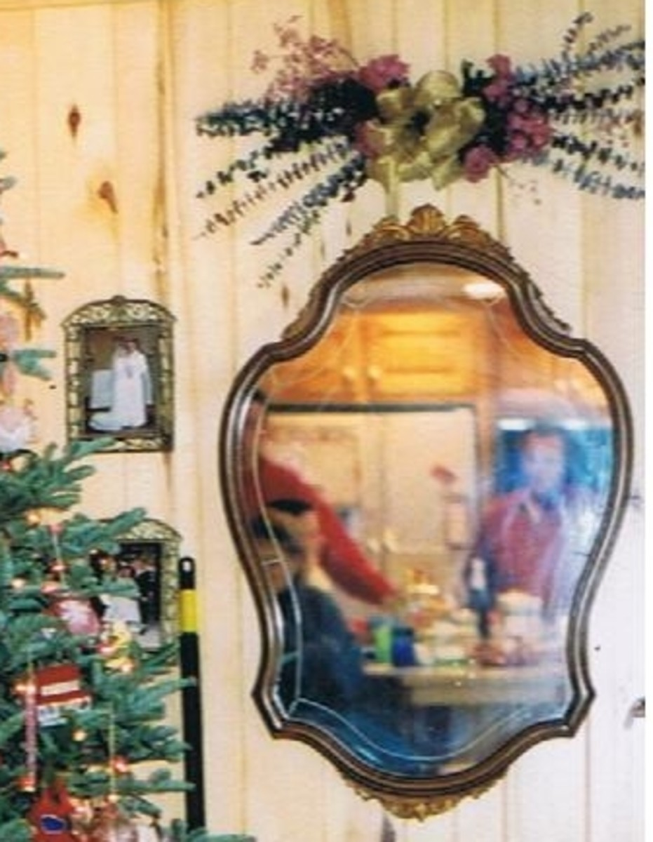 .vintage mirror
