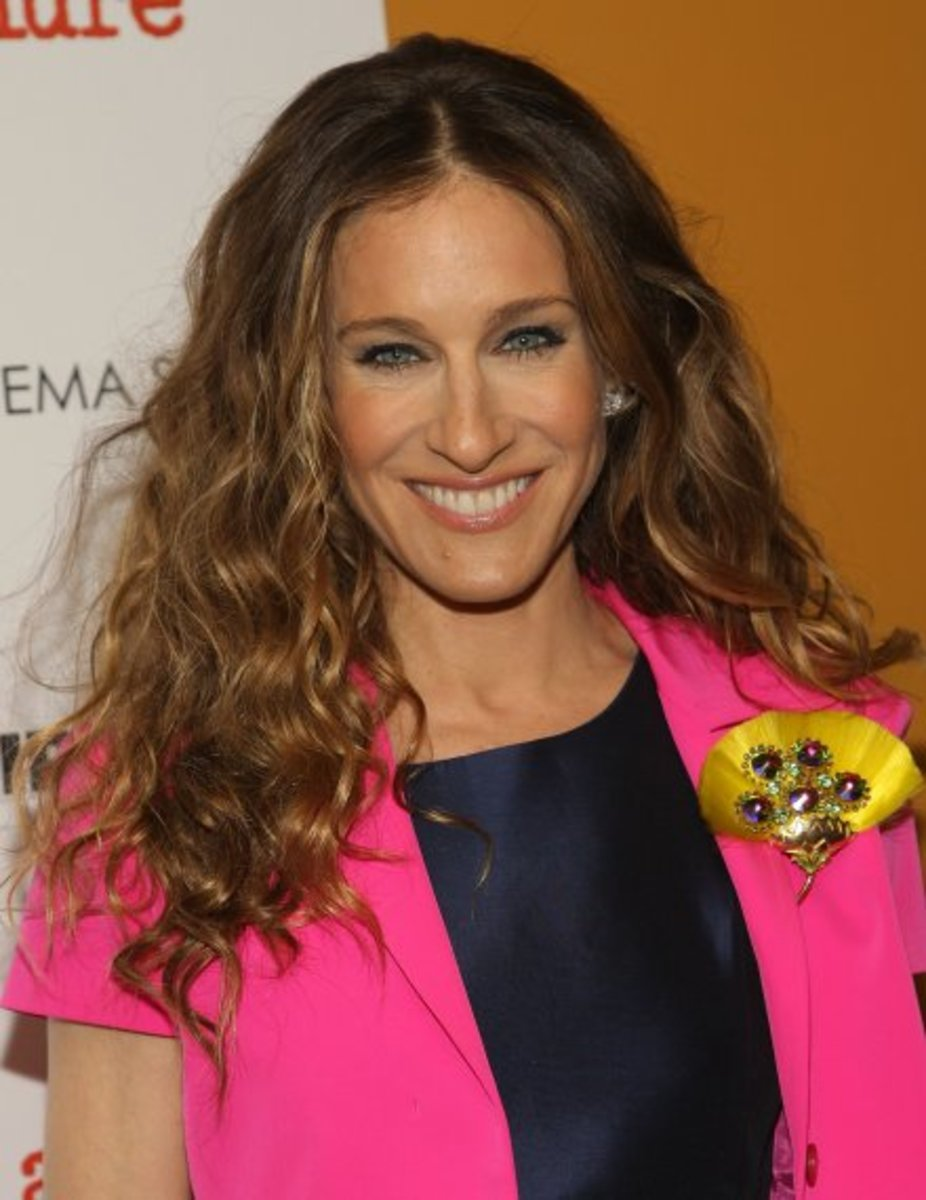 Sara Jessica Parker attired in Magenta, Yellow, Navy