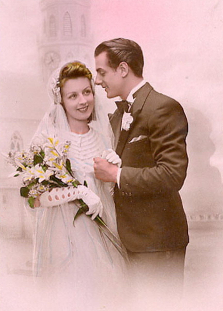 This vintage couple photo could be used as the center of a pink vintage bridal shower theme