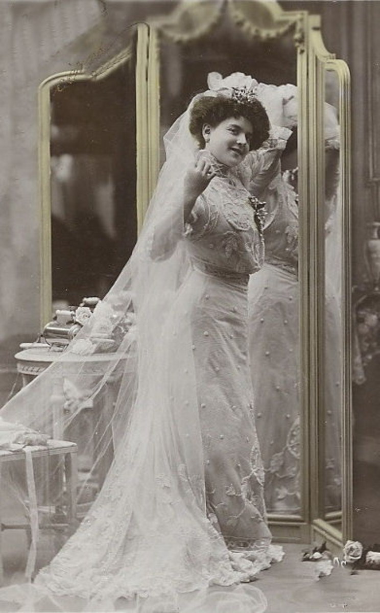 You can use this vintage bride photo to create a bridal shower theme everyone will love
