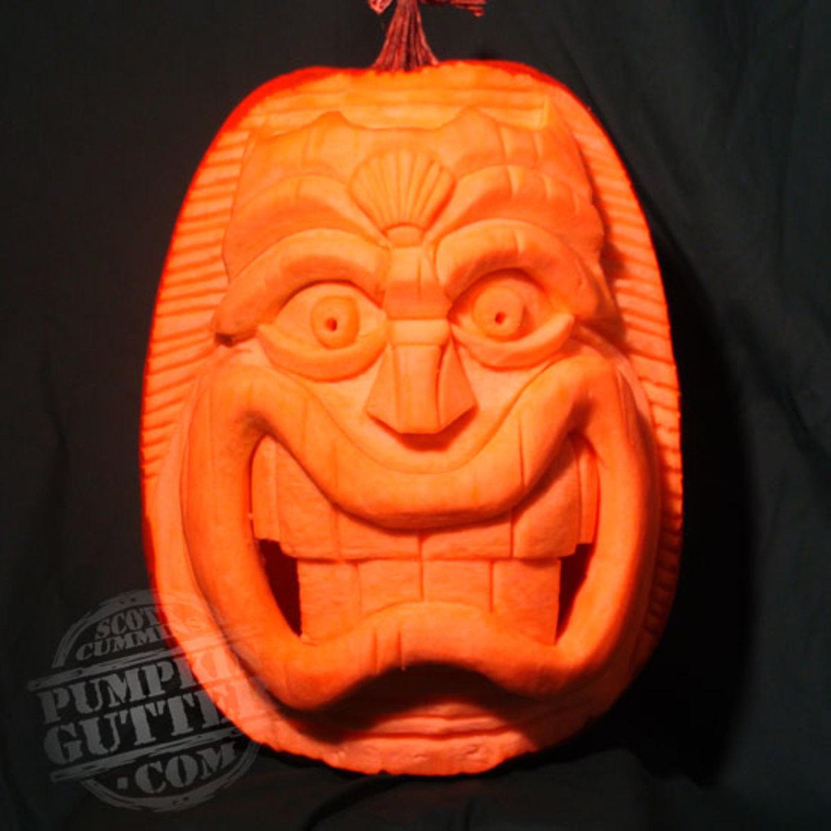 Tiki totem pole pumpkin