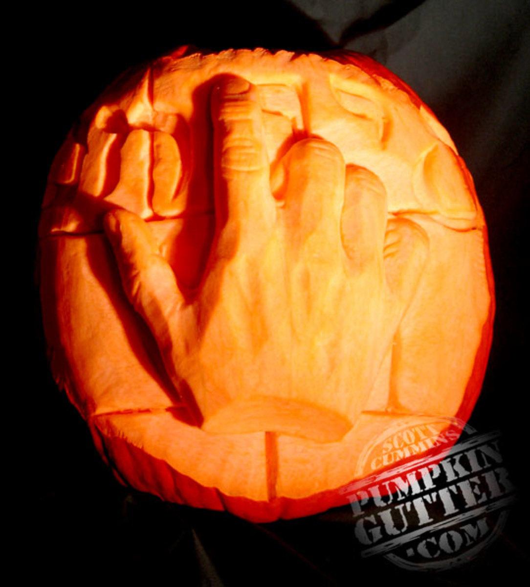 Hand pumpkin