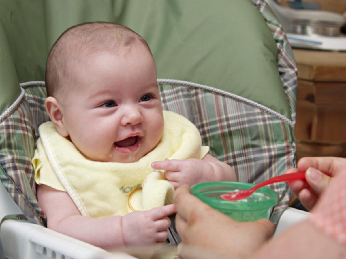 feeding baby. Baby feeding schedule