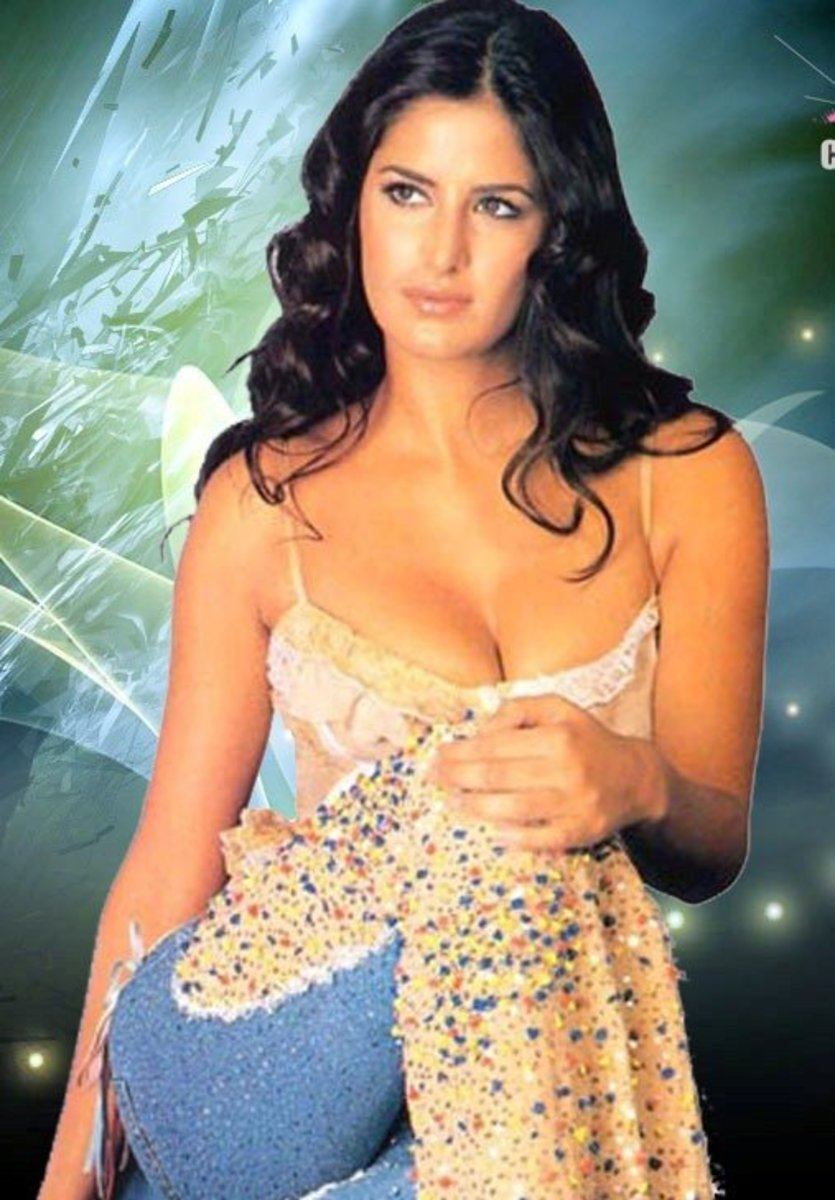 Top 10 Sexy Bollywood Actresses with Pictures